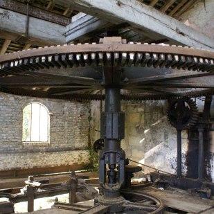 Les Moulins de Paillard. déstruction du 3eme passage du Loir et la turbine du 19eme siecle.