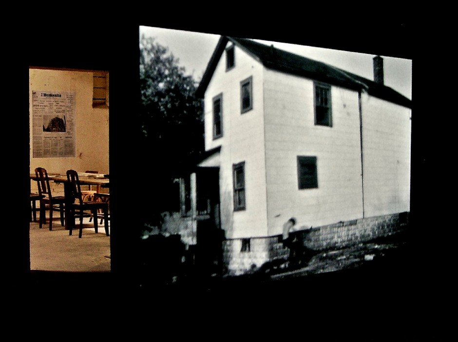 Gordon Matta-Clark. Splitting. 1974. 10min50, noir & blanc et couleur. Super 8 sur vidéo. Courtoisie de l'EAI et la galerie David Zwirmer.