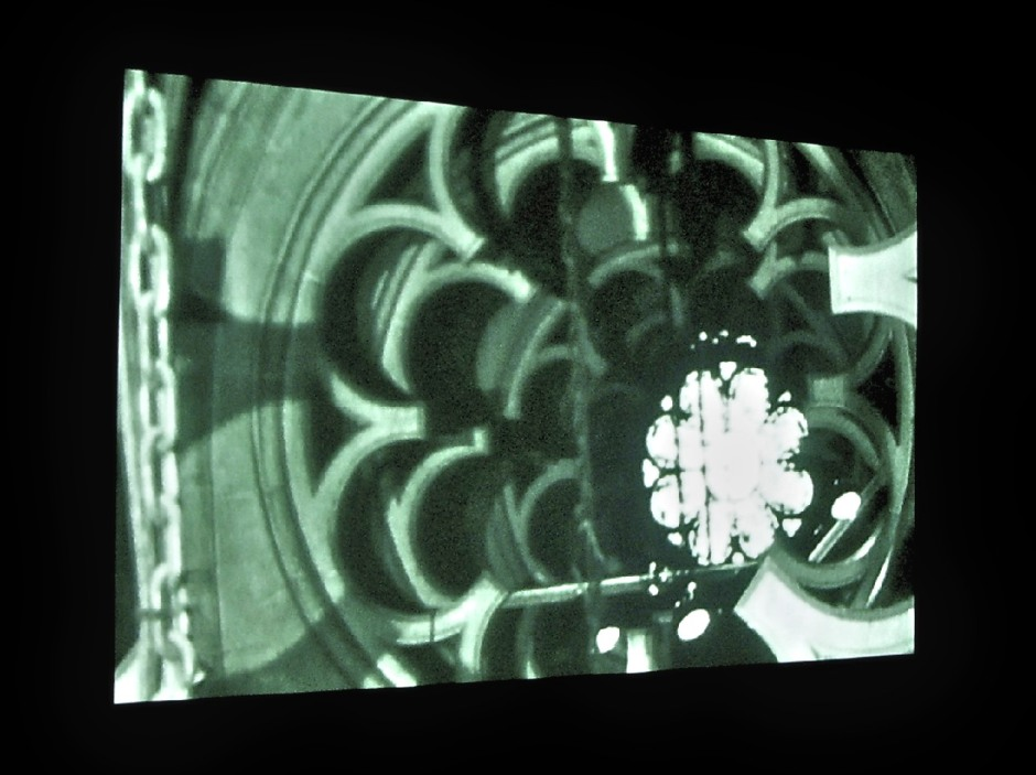 Gordon Matta-Clark. Substrait (Underground Dailies) 1976, 30min, noir & blanc et couleur 16 mm sur vidéo. Courtoisie de l'EAI et la galerie David Zwirmer.