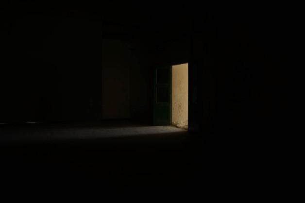 Vincent Lamouroux,Corridor, 2014, Bois de sapin, aggloméré, chaux éteinte