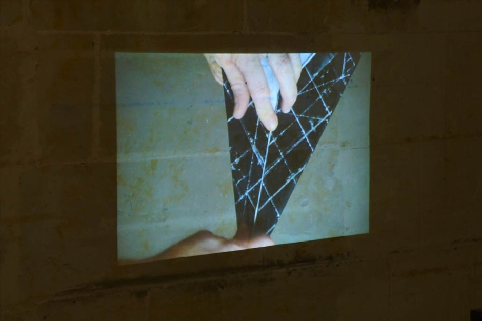 Marie-Jeanne Hoffner, Folds endless folds, dyptique video, courtesy galerie Dohyang Lee, Paris, Payne Shurvell Gallery, London © James Porter
