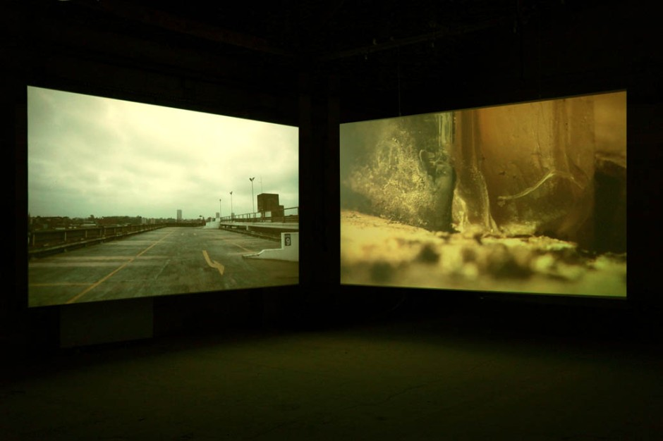 Oliver Beer, The Resonance Project: Pay and Display, 2011, installation vidéo sur deux écrans, courtesy Galerie Ropac, ©James Porter