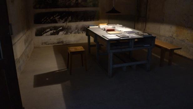 Francisco Tropa. L'exposition : Sim Não - Oui Non. Salle de lecture. Photo © James Porter